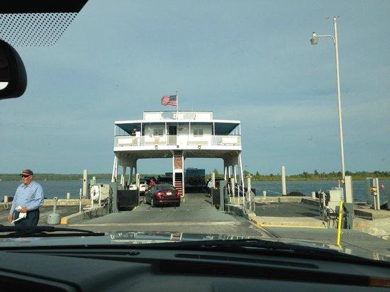 Washington Island Ferry Line: Loading the ferry