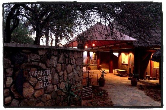 Tarangire Safari Lodge: The entryway
