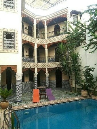 Riad El Yacout : rooms by the pool