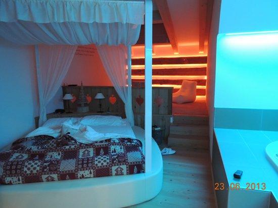 Park Hotel El Pilon: La suite Romantik (Il colore cambia)