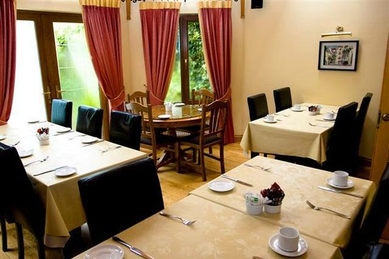 Andy's B&B : Food Served All Day 7am - 9.30pm