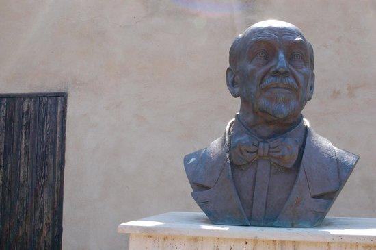 Casa Natale di Luigi Pirandello: Busto Pirandello