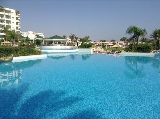 Piscine picture of iberostar royal el mansour thalasso for Thalasso quiberon piscine