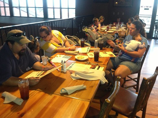 Great Wolf Lodge Grapevine : Dinner for seven