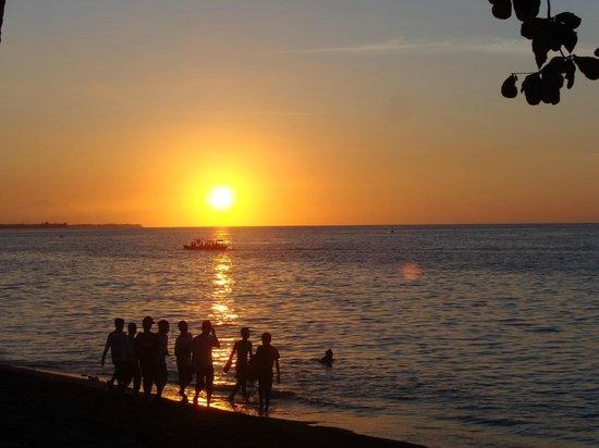 Rinjani Beach Eco Resort: Sunset view