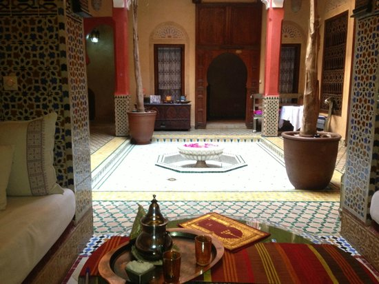 Riad Reves D'orient: Samira Riads - Ground Floor, have tea and breakfast here
