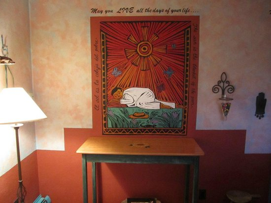 Cinnamon Morning Bed And Breakfast: one of the many wall sayings in our bedroom and elsewhere