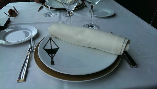 Nelva Hotel : Mesa del restaurante