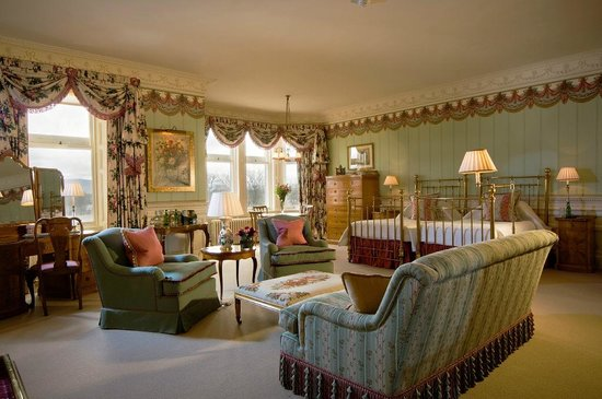 The Carnegie Club at Skibo Castle: Castle bedroom
