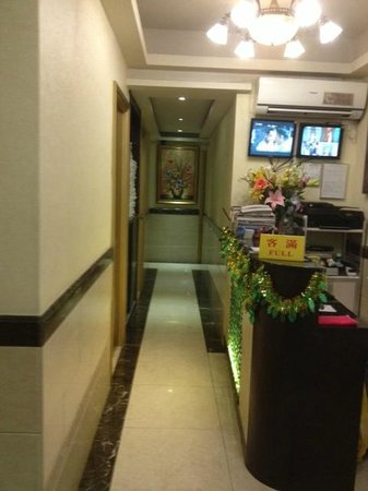 Golden Wave Hotel Hong Kong : Hotel Corridor, Check-in Counter with CCTV
