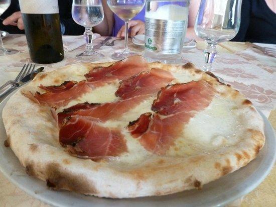 Ristorante e Pizzeria Arlecchino: Pizza con Bresaola e Mozzarella di Buffalo