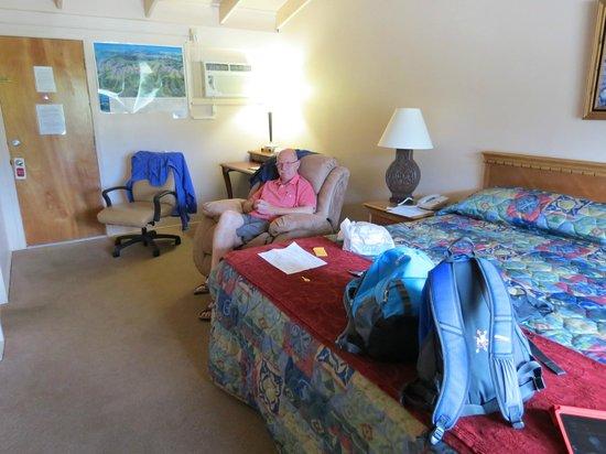 Alpine Trail Ridge Inn: Room