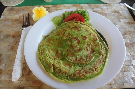 Villa Kunang Kunang: Banana pancake breakfast