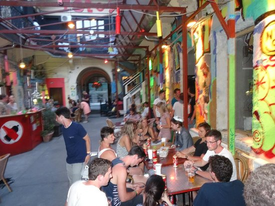 Retox Party Hostel : Party Area Bar ect
