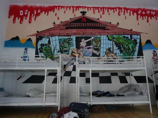 Retox Party Hostel : Bedroom
