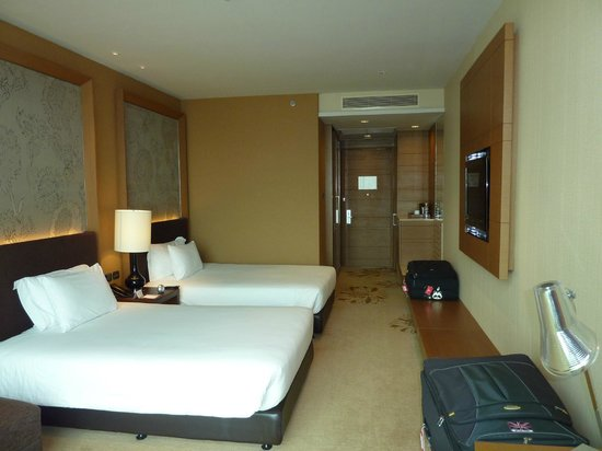 Eastin Grand Hotel Sathorn: hotel room