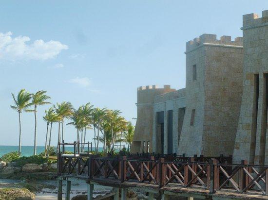 Sanctuary Cap Cana by AlSol: Hotel y alrededor