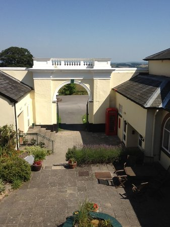 Best Western Exeter Lord Haldon Country Hotel: View from 1st floor bedroom over courtyard