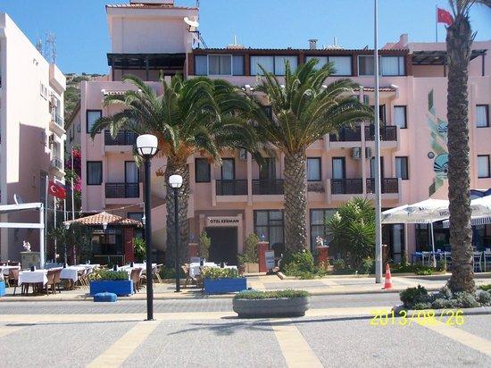 Kerman Hotel: Otel dışardan