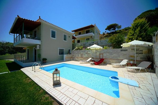 Aselinos suites villa reviews price comparison for Skiathos town hotels