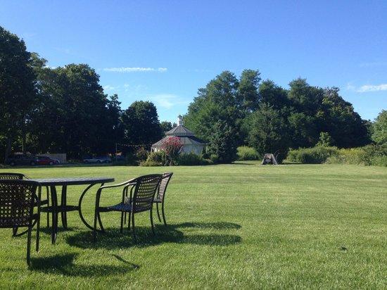 Jedediah Hawkins Inn & Restaurant: Unwinding after the drive