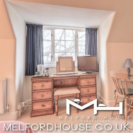 Melford House : Dressing Table