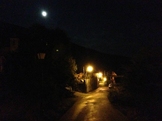 Hotel Restaurant Can Borrell : Meranges de noche