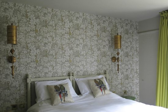 The Spread Eagle Hotel: Newly decorated room 34 (started to redecorating the garden rooms, can't wait to finish them all