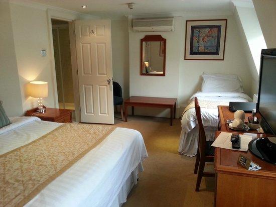 Staunton Hotel: Habitación triple