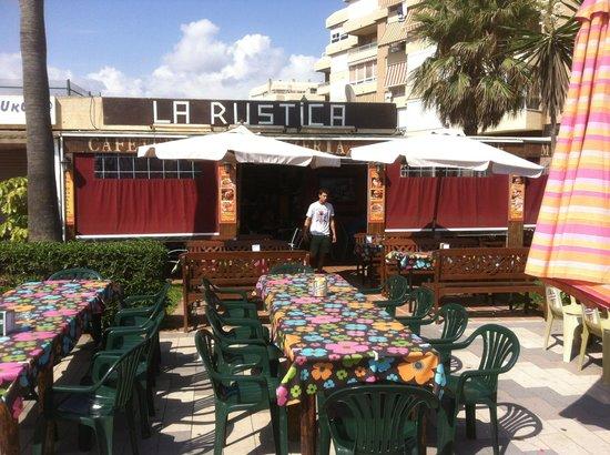 Pizzeria La Rustica - exterior