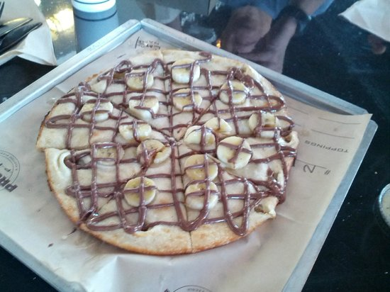 Project Pie: Nutella and Banana Pizza