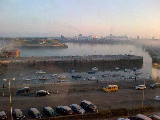 Holiday Inn - Calais : Morning view