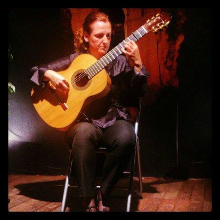 Celia Morales Guitarra Flamenca Tradicional: Celia Morales doing her Flamenco Guitarist thang...