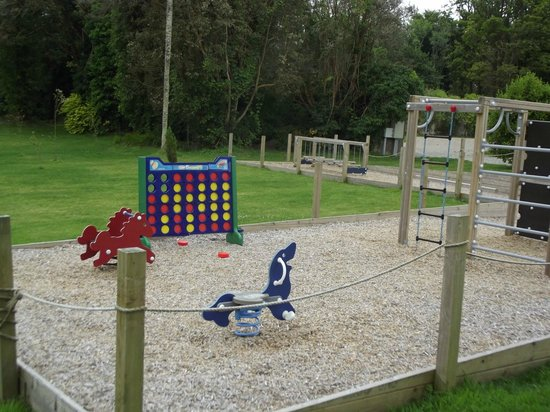 Dromquinna Manor : Part of the playground