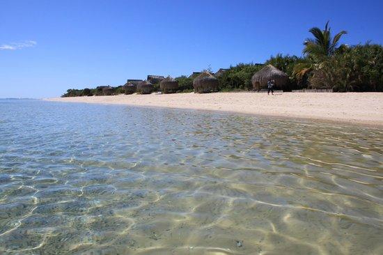 Azura Benguerra Island : Setting