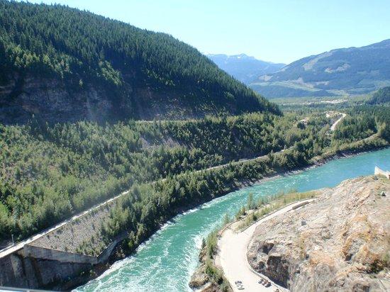 Revelstoke Dam Visitor Centre: Looking towards Revelstoke