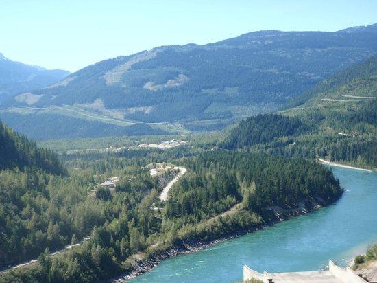 Revelstoke Dam Visitor Centre: Also looking towards Revelstoke