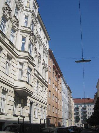 Hotel Pension Bosch: Strada
