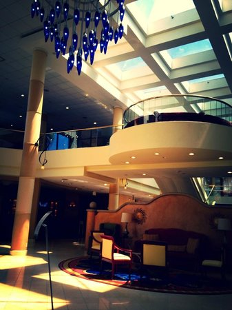 Ventura Beach Marriott: Gorgeous Lobby