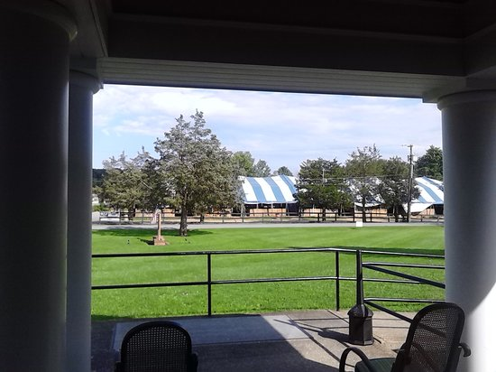 The Greens Inn : View of HITS from the front entrance