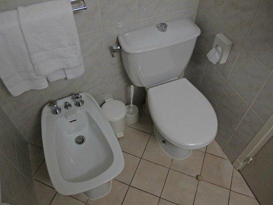 Hotel Magellan: WC Standard-Zimmer