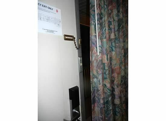 Motel 6 Groton : The space between the curtain & door bothered me a little, but not enough for me to lose sleep :