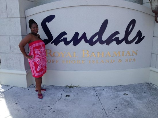 Sandals Royal Bahamian Spa Resort & Offshore Island: Front entrance