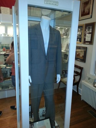 Gettysburg Museum of History: Sen. John F. Kennedy's Suit