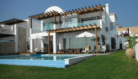 Lachania, Greece: Large Beachfront Villa!