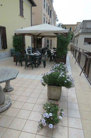 Hotel Suore Sacra Famiglia Roma