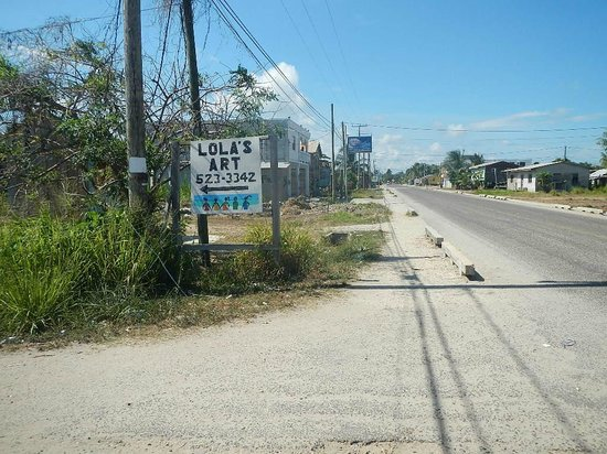 Lola's Art Gallery : Road sign to Lola's in Seine Bight