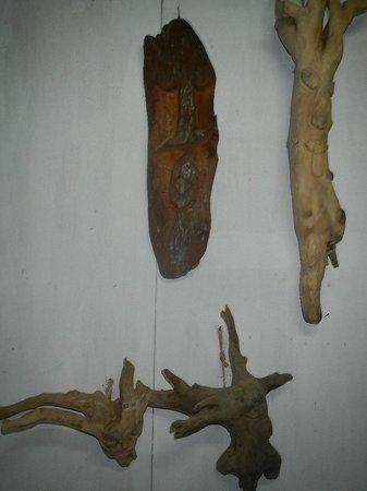 Lola's Art Gallery: Drift Wood Art by the Garifuna