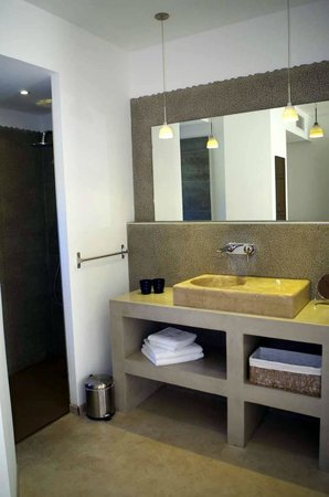 Hotel 96: SDB