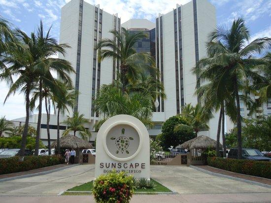 Sunscape Dorado Pacifico Ixtapa: Vista principal del hotel